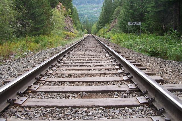 rail-254321_640